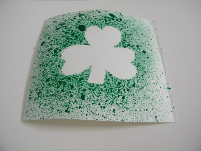 How to make a shamrock greeting card for st patricks day kids how to make a shamrock greeting card for st patricks day kids crafts activities kids crafts activities m4hsunfo