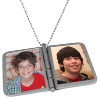 Make Mom Lockets / Photo Necklaces