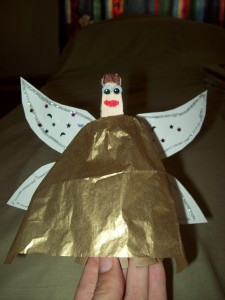Easy Angel Christmas Tree Topper to Make : Arts & Crafts Ideas for Kids