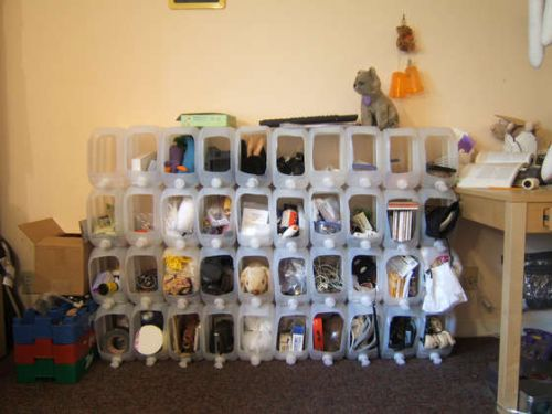 Use Water Jugs to organize your crafts
