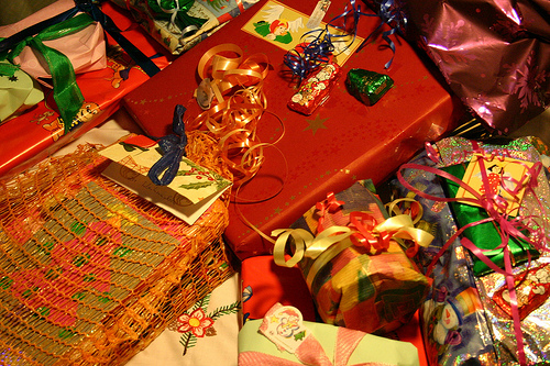 Crafty Ways to Reuse Wrapping Paper & Greeting Cards