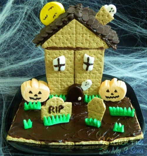 Spooky S'mores Haunted House
